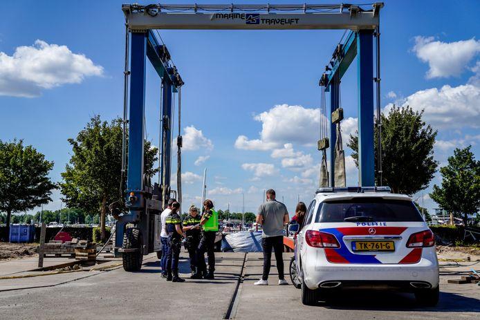 De auto van Bert de Laat werd dinsdag gevonden in het water bij Drimmelen.