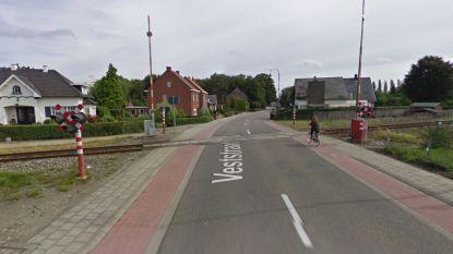 Werken aan overweg Veststraat starten pas dit weekend