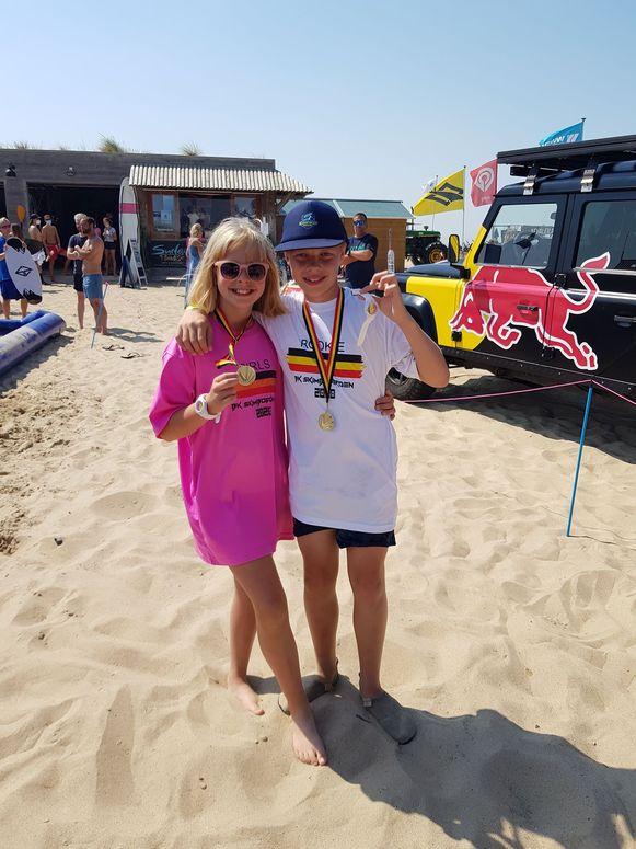 Lore en Brent zijn de beste Belgische skimboarders in hun categorie.