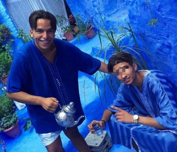 Ondanks meerdere vluchtpogingen zit Moreno (r.), naast Soufiane Eddyani, thuis met enkelband.