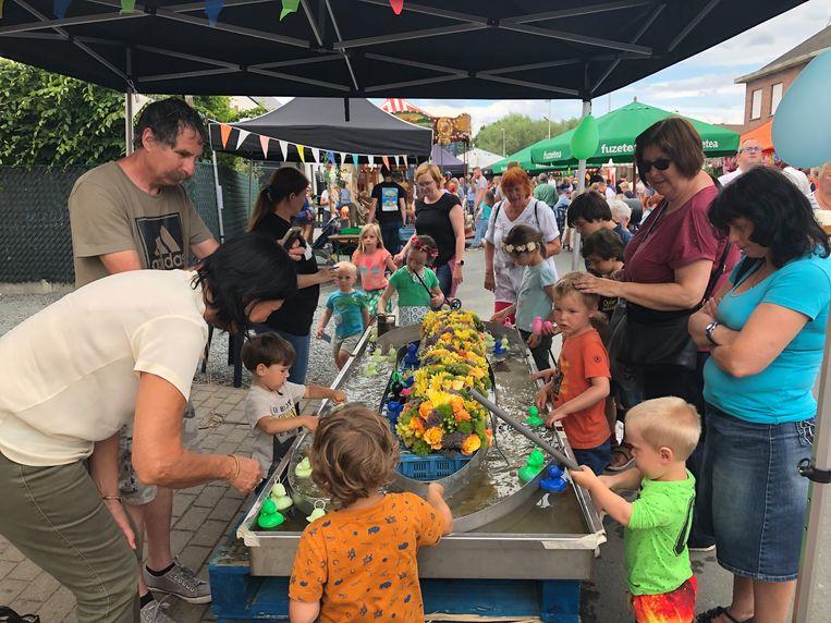 Dolle pret op de kinderjaarmarkt in de Smisstraat.
