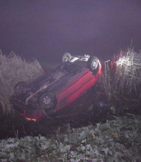 Auto met gezin crasht in mist en belandt in rivier: 'Ze hebben engeltjes op hun schouder gehad'