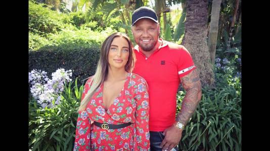 Michael van der Plas woont in Spanje met zijn vriendin Naomi.