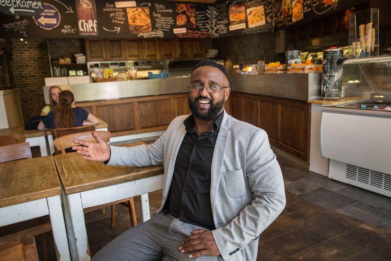 Samater Geddi: 'Dat Somaliërs op straat belanden was voorheen ondenkbaar'. Beeld Arie Kievit