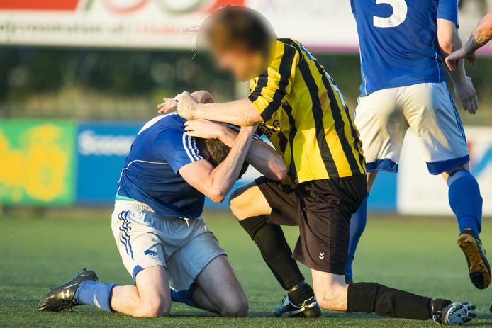 De wedstrijd Erp-Baardwijk liep flink uit de hand.