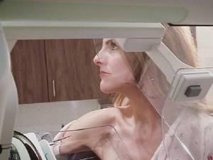 Une journaliste diffuse sa mammographie en direct et apprend qu'elle souffre d'un cancer
