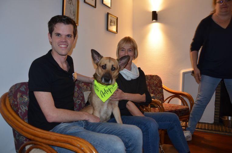 Marijn Kenis is de bezieler van het eerste hondenadoptiecafé van het land.
