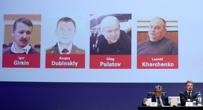 Het OM vervolgt drie Russen en een Oekraïner voor het neerhalen van vlucht MH17.