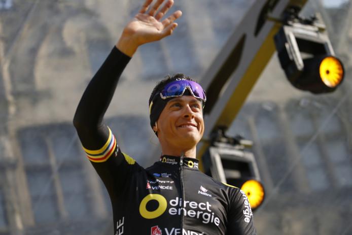 Niki Terpstra stond aan de kant na een valpartij in de Ronde van Vlaanderen.