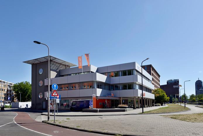 De ING en de gemeente liggen in de clinch om het perceel aan de Boulevard waar het Enschedese hoofdkantoor van de bank op staat. Dat perceel is nodig om het megabouwplan Kop Boulevard te ontwikkelen.