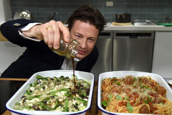 Archives: Jamie Oliver en cuisine en 2015, bien avant la débandade de son empire