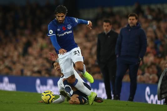 André Gomes vlak voor het fatale moment na de tackle van Heung-min Son.