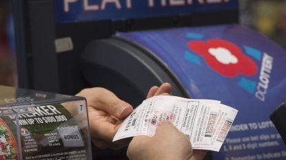 Man verliest lot van 1 miljoen, maar eerlijke winkelbedienden bezorgen het hem terug
