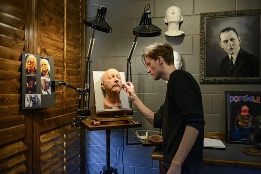 Arjen Tuiten, special effects make up artist, in zijn werkruimte. Tuiten is genomineerd voor een Oscar voor zijn werk voor de film 'Wonder'.