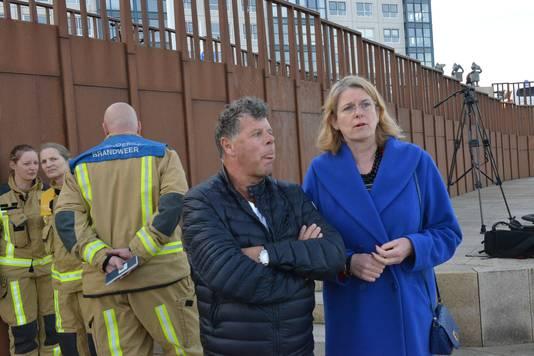 Peter Ludovici met burgemeester Krikke