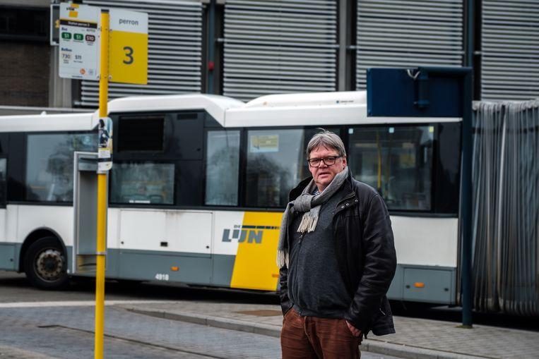 Oud-burgemeester Ludwig Vandehove wil opnieuw gratis bussen lanceren.