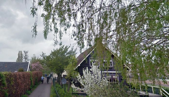 De Appeldijk in Heukelum gaat op slot voor fietsers tijdens het paasweekeinde.