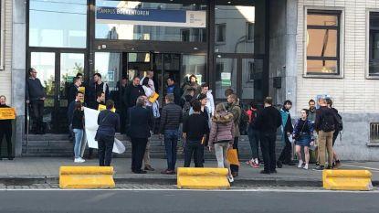 Vlaams Belang betoogt tegen studentendebat