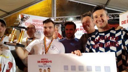 """Rik eet 2,55 meter XXL-frikandellen van De Romeo's op Belgisch Kampioenschap: """"Ik heb ervan genoten, het was lekker"""""""