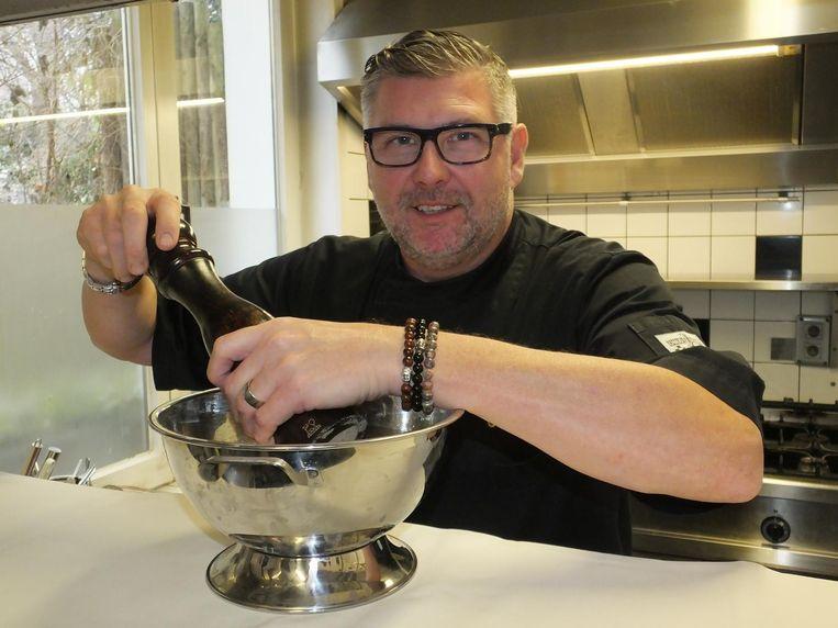 Pascal Vandenheulen in de keuken van De Pastorie.