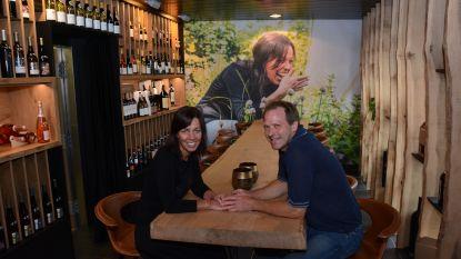 """De eerste zomer van wijn- en tapasbar CréaVino: """"Niet alleen bubbels schenken maar ook bubbels ontvangen"""""""