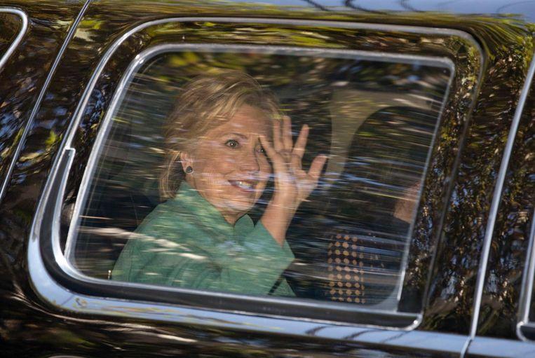 Clinton dinsdag in Los Angeles bij het huis van zanger Justin Timberlake en diens vrouw, de actrice Jessica Biel. Ze haalde daar geld op tijdens een lunch voor haar campagne. Beeld AP