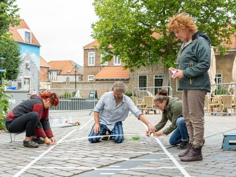 Aanleg Silly Walk zebrapad in Zierikzee is secuur werkje