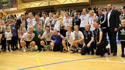 Handballers reizen liefst 2000 (!) km voor penaltyreeks