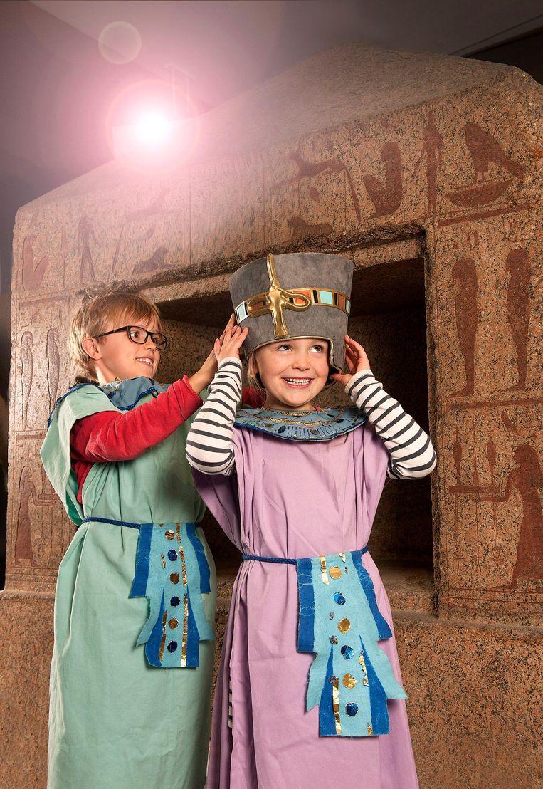 Er is ook een speurtocht voor kinderen voorzien tussen de Egyptische mummies en sarcofagen.