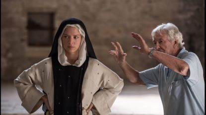 Op de set bij Paul Verhoeven: het verhaal van Benedetta, een lesbische non in de Middeleeuwen