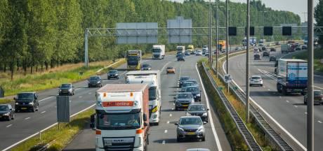 Rijkswaterstaat helpt misverstand uit wereld: Er verdwijnen geen rustplekken voor chauffeurs langs A28