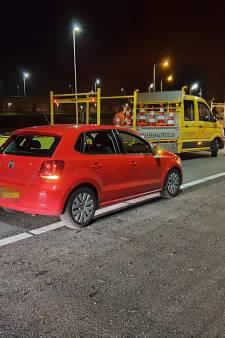 Boze wegwerkers op A2 rijden automobilisten klem die rood kruis negeren; bekeuringen blijven uit