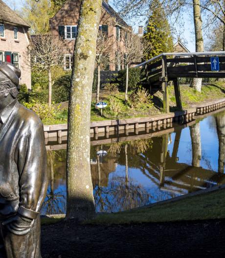 Corona-update | Lege grachten in Giethoorn en kerk in Staphorst worstelt, maar gelovigen zijn zondag wél welkom