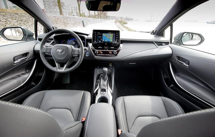 ROTTERDAM - Toyota Corolla voor Persgroep autotest van Niek Schenk. FOTO BART HOOGVELD