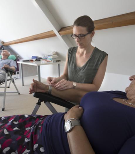 Groepsacupunctuur in Gemert: Het is niet zo wittejasserig