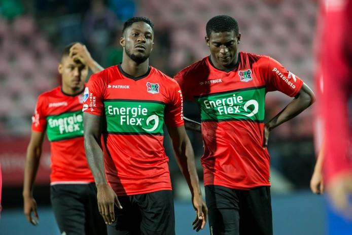 Kevin Mayi (links) en Taiwo Awoniyi, dit seizoen nieuw bij NEC.