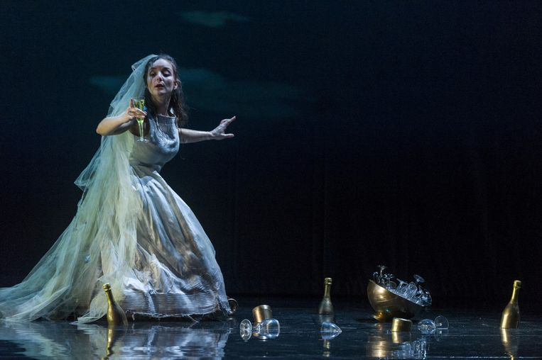 Lucie Chartin, als Ophélie. Beeld rv