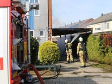 Carport bij woning Doesburg in brand