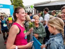De marathon van De Maasdijk 'barefoot' rennen? Dat kan gewoon