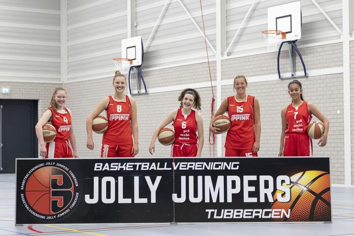Speelsters van basketbalvereniging Jolly Jumpers zijn geselecteerd voor nationale jeugdteams . v.l.n.r. Jade Brughuis, Birte Steggink , Aylin Seker , Noelle Droste , Jasmijn de Ceuninck van Capelle