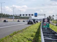 Automobilisten rijden banden kapot op A2 bij Abcoude