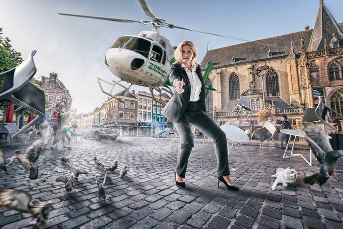 License to skill: gemeentesecretaris Ingrid Geveke is een van de modellen in de nieuwe wervingscampagne van de gemeente Zwolle. ,,Mensen die hier werken zijn onze helden. Je moet de aandacht trekken.''