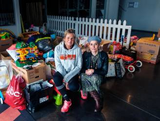 Sandra en Nathalie verzamelen massa's speelgoed voor kansarme gezinnen