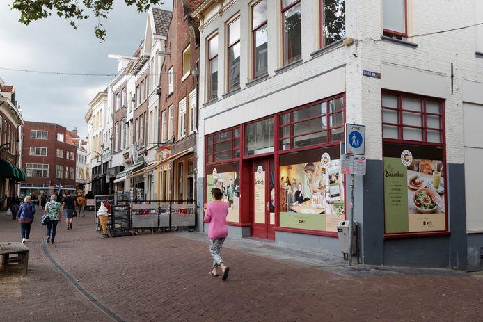 Het leek er anderhalf jaar lang op dat Zutphen een Bagels & Beans zou krijgen. De lunch- en koffieketen heeft daar nu een streep door getrokken.