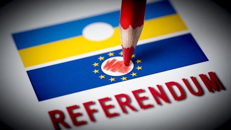 Bij het raadgevend referendum van 6 april werd nog gebruik gemaakt van het rode potlood. Beeld anp
