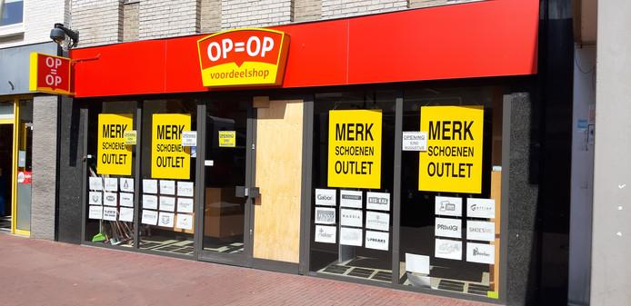 waar te kopen geweldige prijs Britse winkel Twee tijdelijke winkels in hartje Helmond: outlet met ...