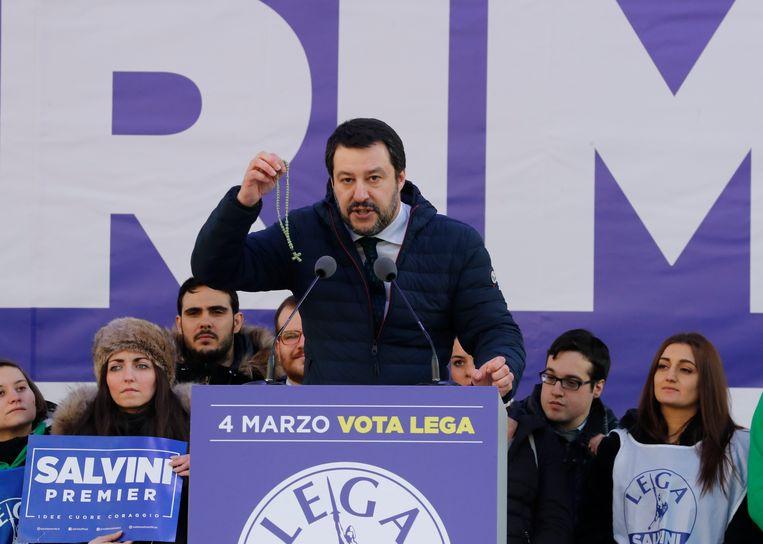 Matteo Salvini vindt dat 'Italië weer normaal moet worden', onder andere door migranten het land uit te zetten. Beeld AP