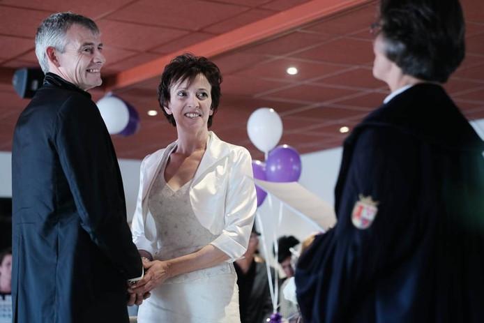 De huwelijksvoltrekking van de koning en koningin van Pannerden is in het dialect. Foto: Jan van den Brink