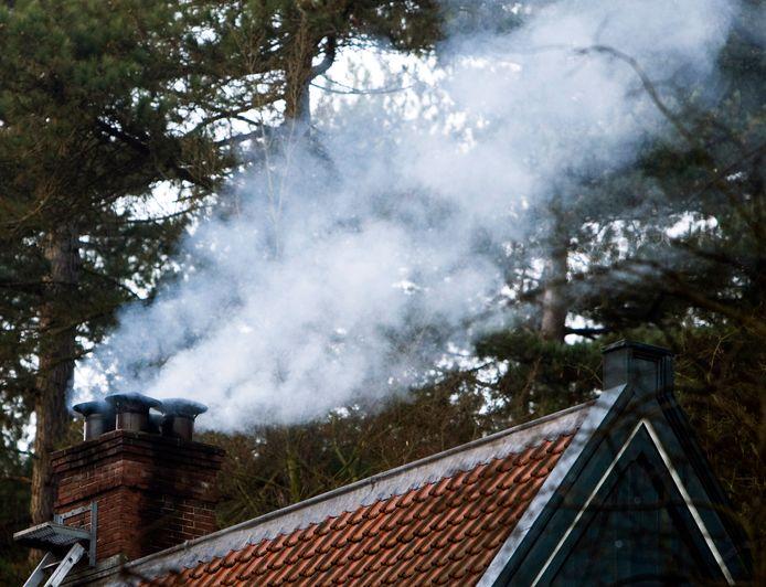 Rook uit de schoorsteen.