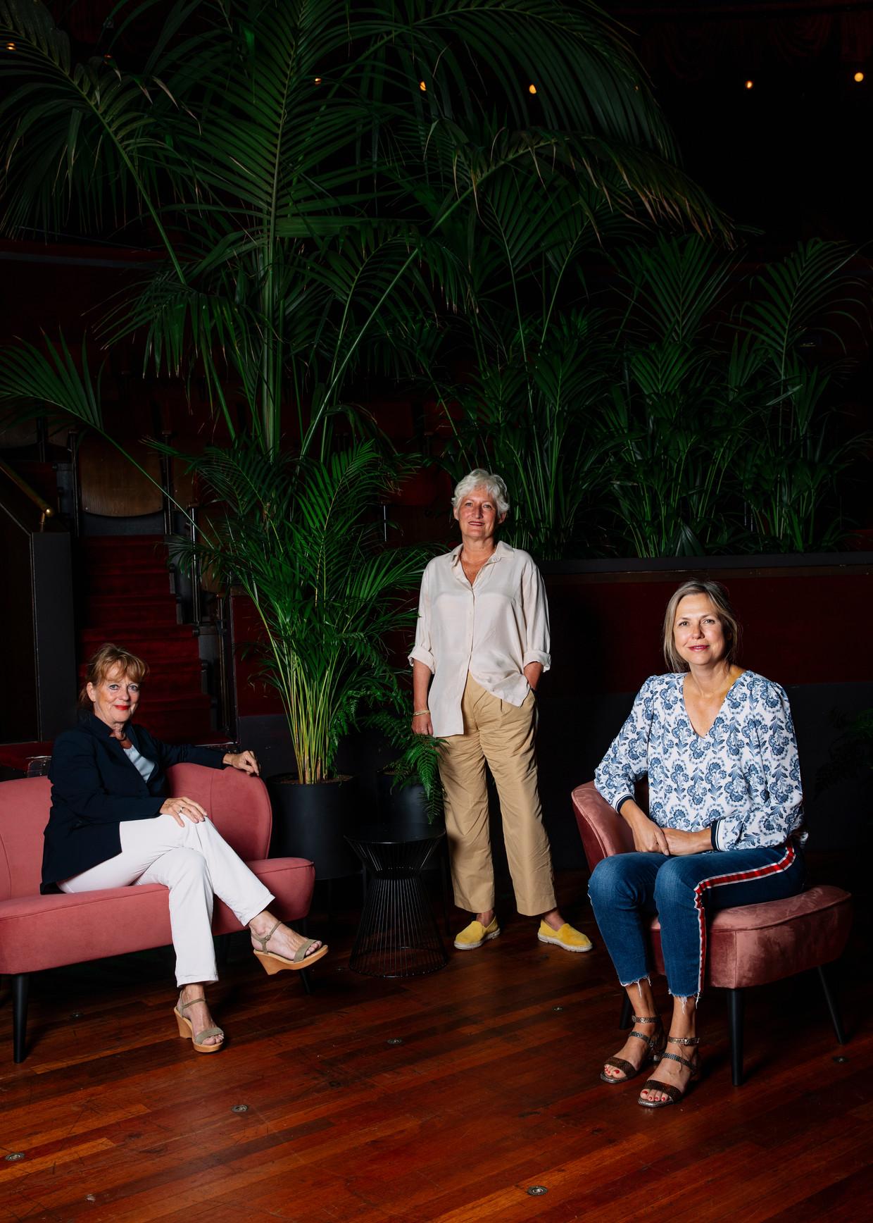 Vlnr: Jeannette Smit (Theater Bellevue), Vivienne Ypma (De Kleine Komedie) en Madeleine van der Zwaan (Carré).